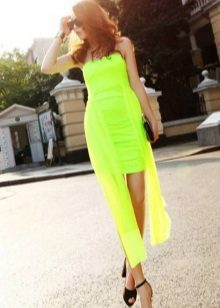 Klassiset kengät vaaleanvihreää mekkoa varten