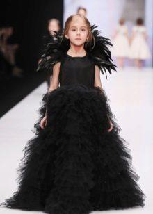 Design inteligente magnífico vestido em um piso para a menina