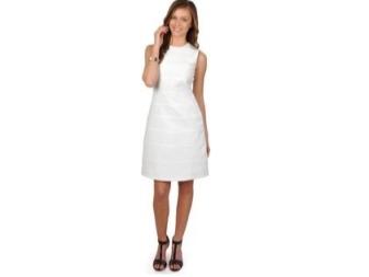 שמלה עם קו פשוט לחתוך