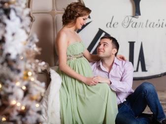 Groene jurk voor zwangere fotoshoot