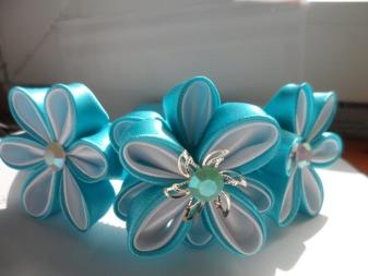 Példa a Kazan szalagból származó virágokra