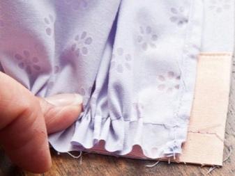 Öltözködés felöltözése a ruhán - 1. lépés