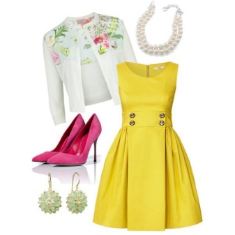 Valkoinen takki ja keltainen mekko