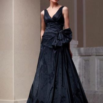 vestido preto de tafetá para o chão