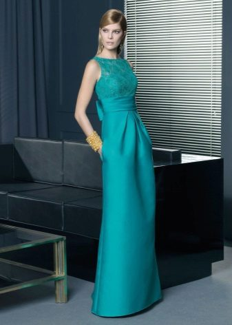 Turquoise evening dress straight from Rosa Clar
