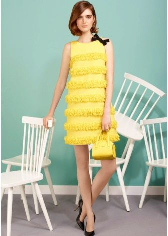 Yellow dress in the style of the 60s