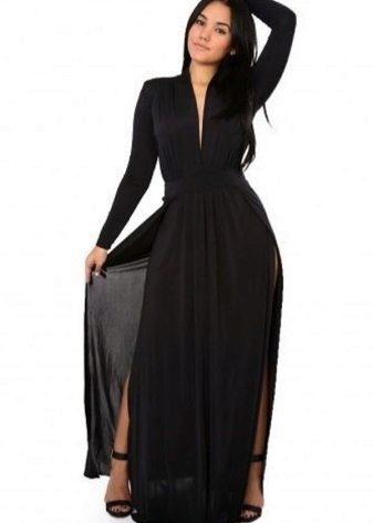 Vestit de nit negre completament llarg amb una ranura