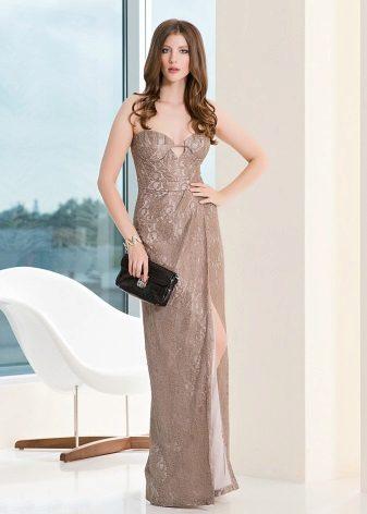 Caso vestido de noite no chão não é caro