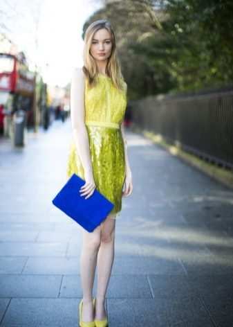 yellow dress with blue accessories