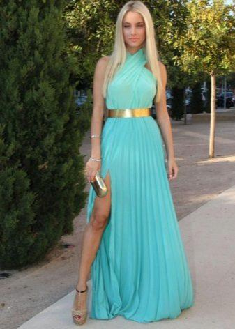 Vestido turquesa com saia plissada