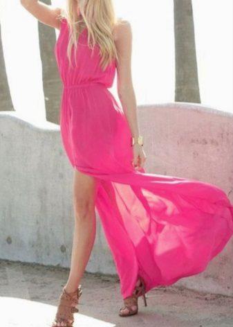 Beige sandals to fuchsia dress