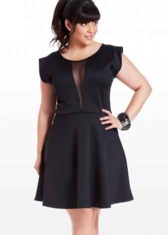 Zwarte korte zijden jurk voor volle meisjes