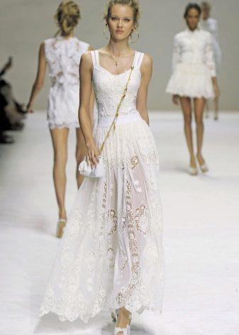 Kar beyaz elbise