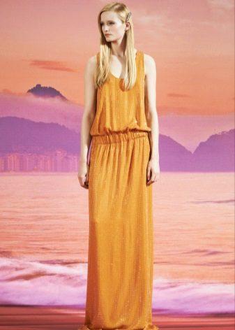 Yere sarışın elbise