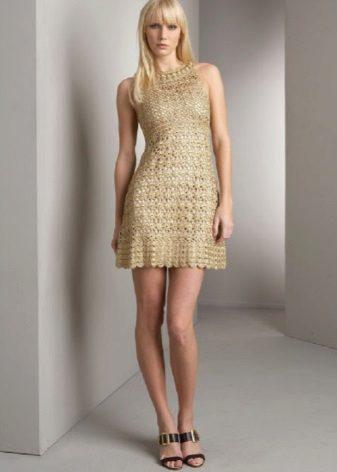 Altın elbise
