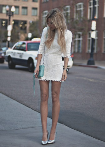 Milk dress in combination with turquoise