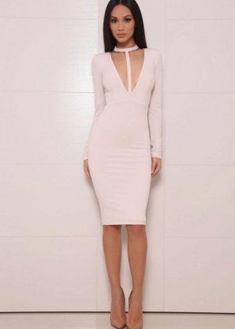 Orta uzunlukta süt rengi elbise siluet elbise