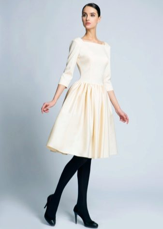 Milk dress of medium length