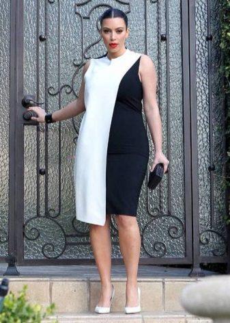 Gecombineerde zwart-witte jurk met volledige schede