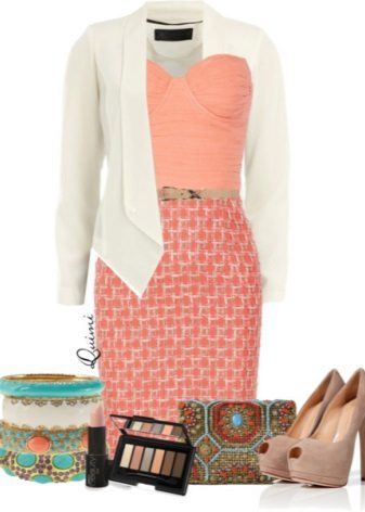 Mitä pukeutua persikka-pukeutumiseen