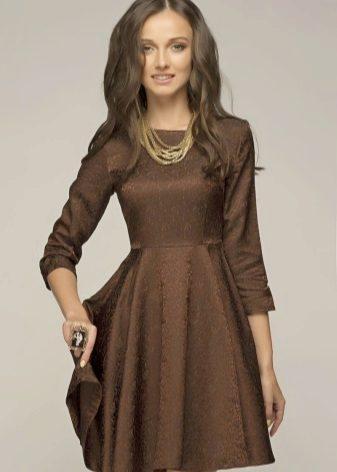 Vestido curto cor de chocolate