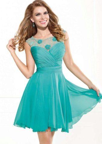 Mint Dress Makeup