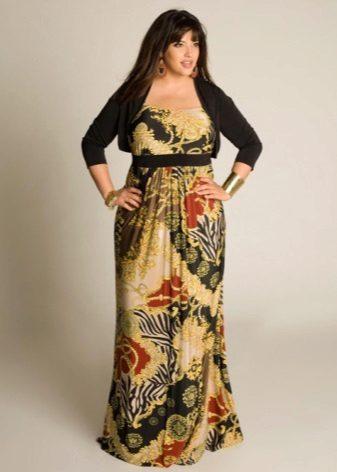 Vestit de color llarg fet de tela gruixuda per complet