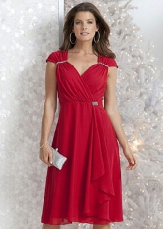 Vestido de cereja por completo
