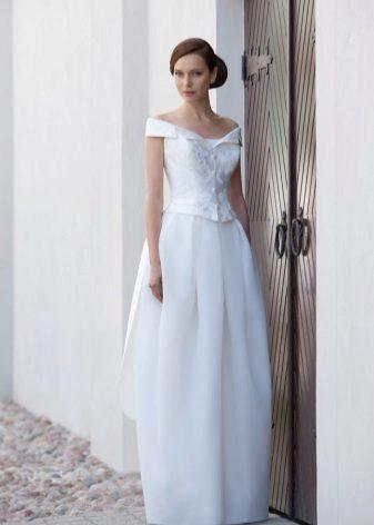 Fehér hosszú tulipán esküvői ruha