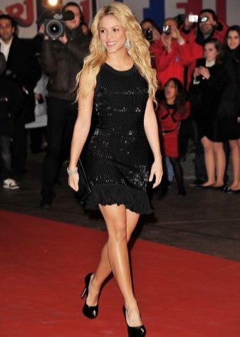 Dresses for figure like Pear - Shakira