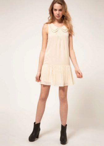 Šaty se skládanou sukní pro postavu obráceného trojúhelníku