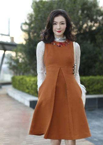 Dress with a high waist for autumn