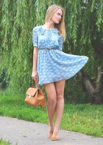 Dress with high waist combined with ballet shoes