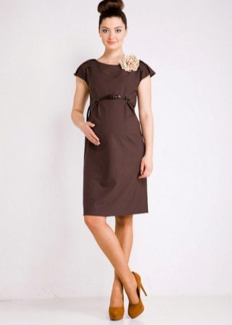 Dress with high waist for patients