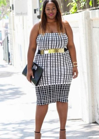 Strakke geruite jurk voor vrouwen met overgewicht