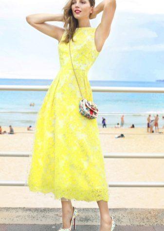 Lang gul flared kjole