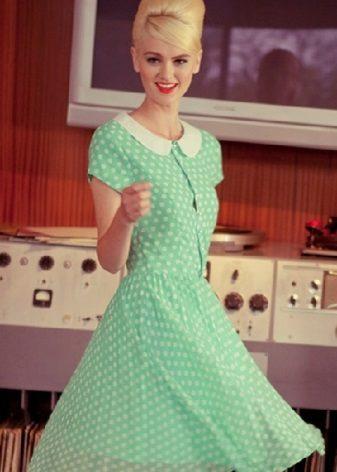Flared kjole i retro stil