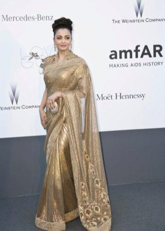 Aishwarya Paradise em um sari 2013