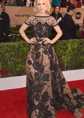 Rachel McAdams in een jurk van Elie Saab