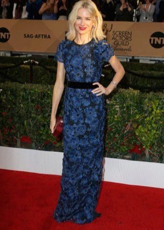 Naomi Watts in Burberry-jurk