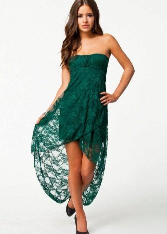 Зелена рокля от средна дължина с асиметрична пола