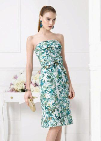Olkaimeton mekko - lisävarusteiden valinta