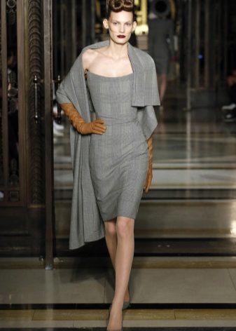 Velge en kappe for en stroppeløs kjole