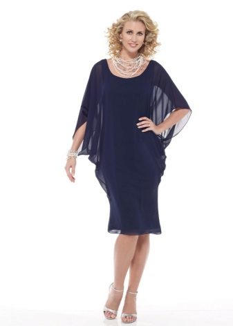 Blauwe jurk vleermuis middellange lengte