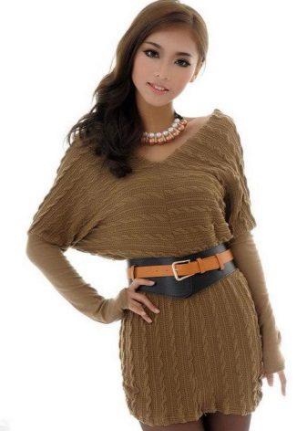 Mosterdkleurige vleermuisjurk met gebreide jurk met V-hals