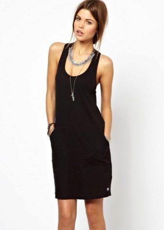 Svart kjole T-skjorte medium lengde
