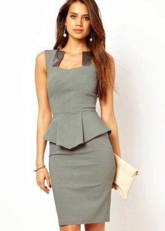 Grijze jurk met basis voor zakelijk gebruik
