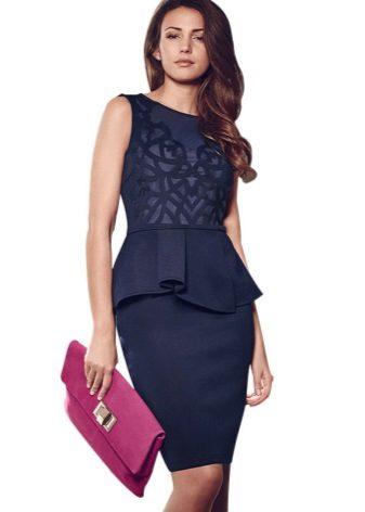 Blauwe jurk met bask voor zakelijk gebruik