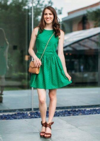 Den grønne kjolekjole for slanke jenter