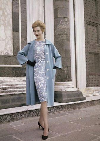 Casaco para se vestir no estilo dos anos 60